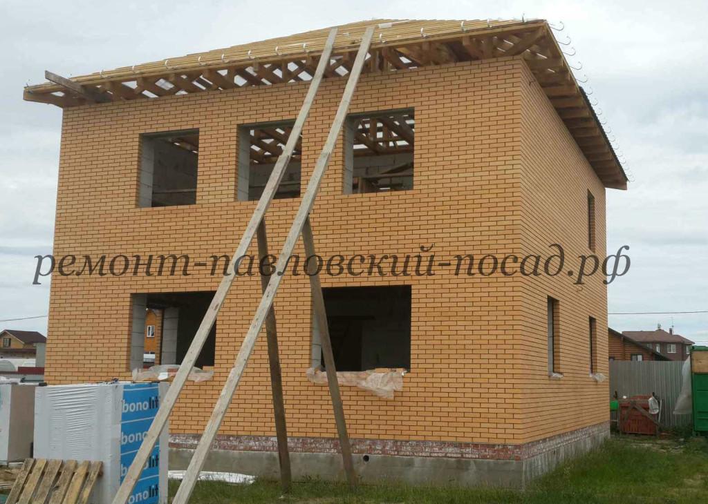 недостроенный кирпичный дом