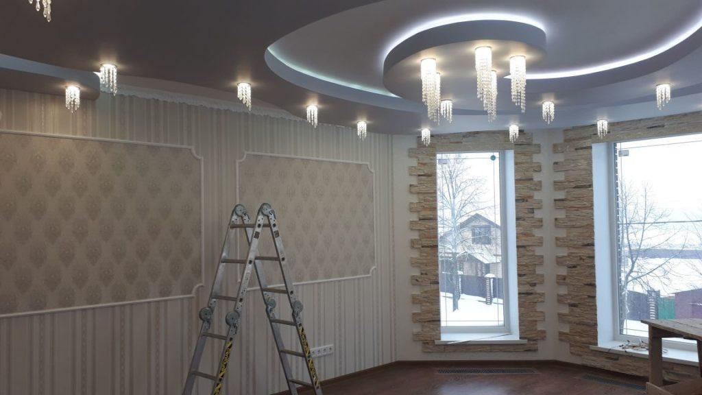 потолок из гипсокартона и монтаж освещения под ключ
