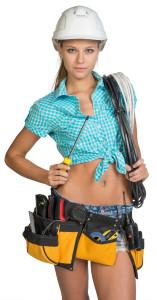 девушка электрик с инструментом