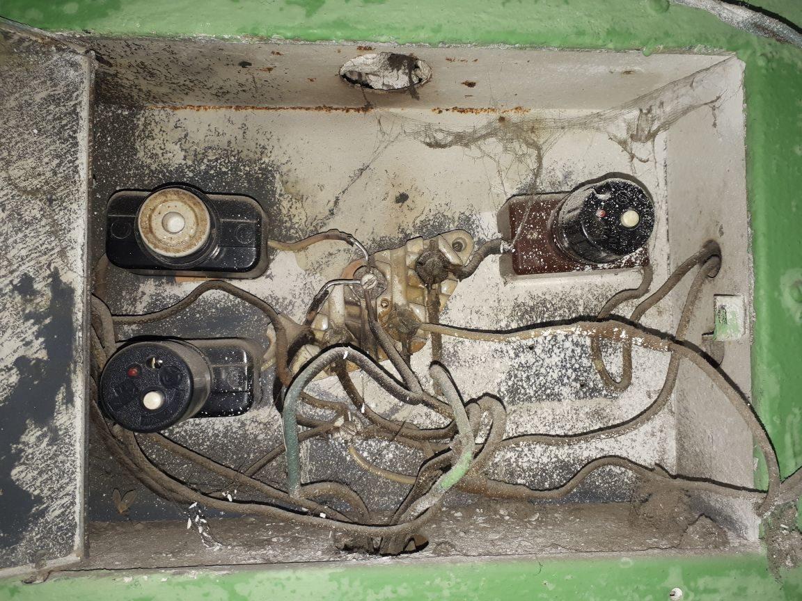 старые пробки электрические