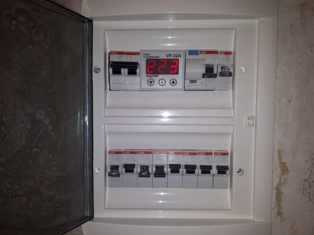 установка электрического щита