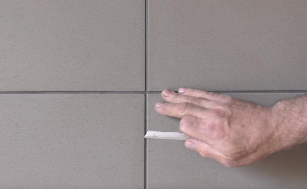 Затирка швов плитки