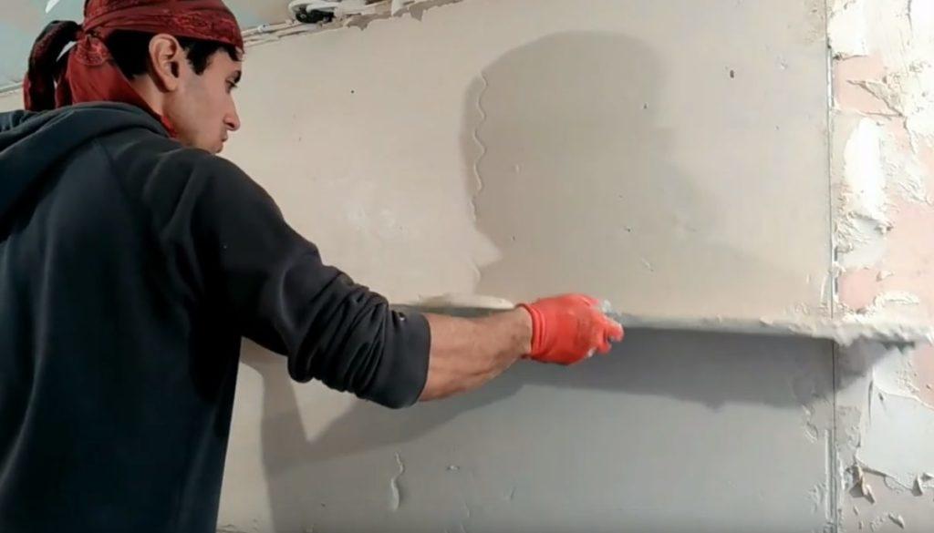 выравнивание стен правилом