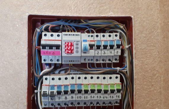 монтаж реле напряжения в электрощит