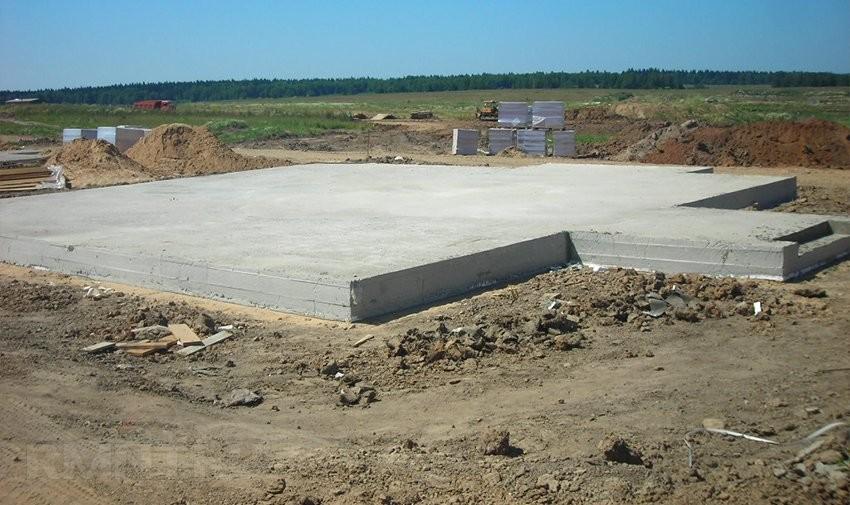 монолитная бетонная плита