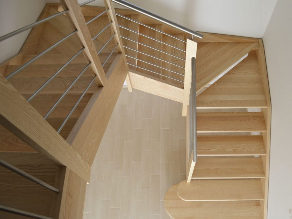 п-образная лестница с забежными ступеньками