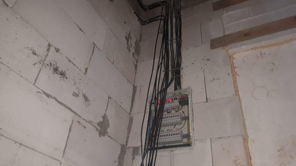 электрический щит в пеноблочном доме