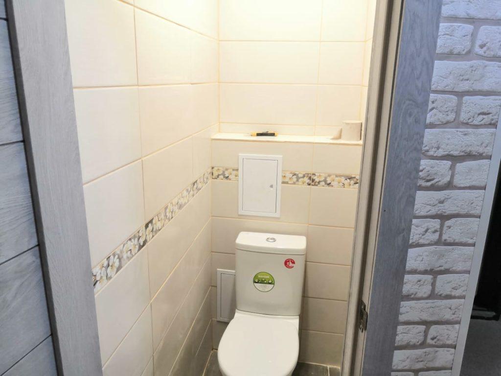 ремонт туалете плиткой